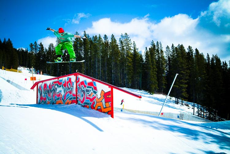 snowboarding_lifestyle_canada2-4